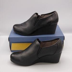 LifeStride Flex Black Leather Ankle Wedge